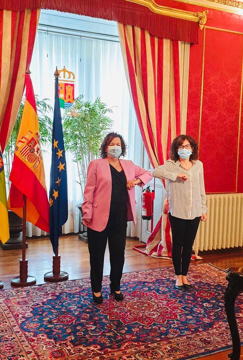 Laura Rivado firma el convenio de servicios sociales con el Gobierno de La Rioja