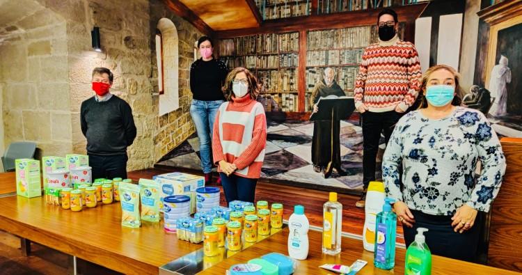 El Ayuntamiento entrega 130 lotes de comida y productos de higiene a la infancia