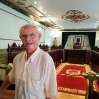 Hermenegildo Zueco visita el Salón de Plenos del Ayuntamiento de Haro